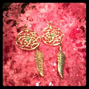 *NEW LISTING* NWT Dreamcatcher earrings